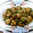 Balsamic & Garlic Mushrooms - Daily DIY Life.com