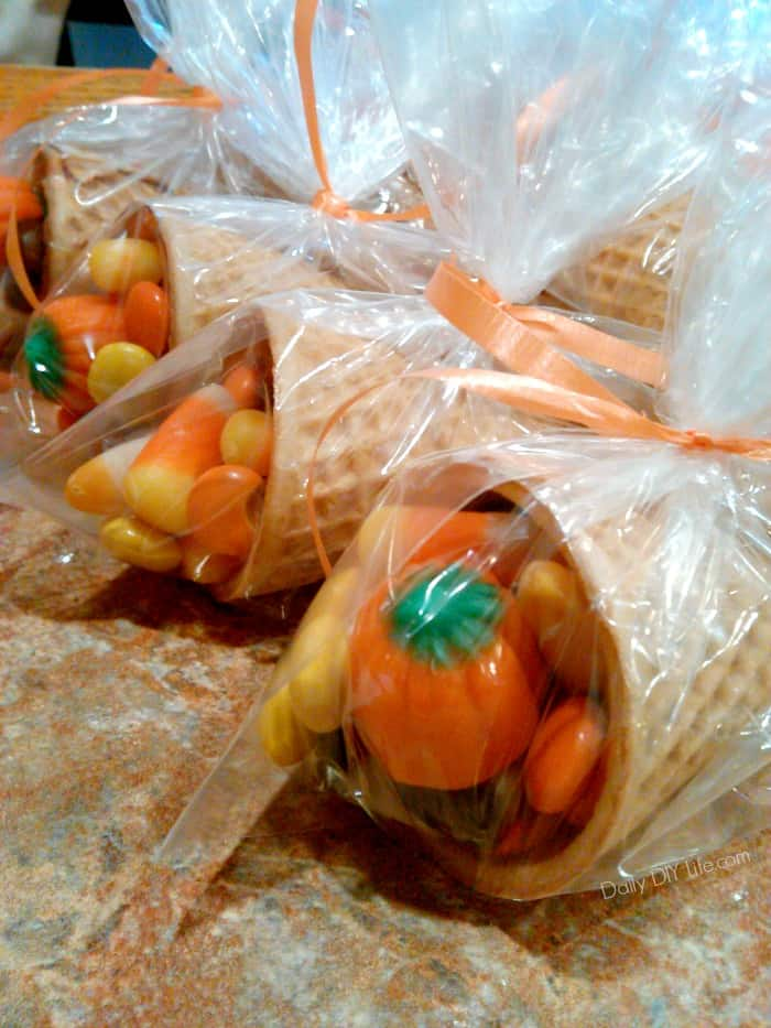 Fall Cornucopia Activity for the kids. Great for Gifts!