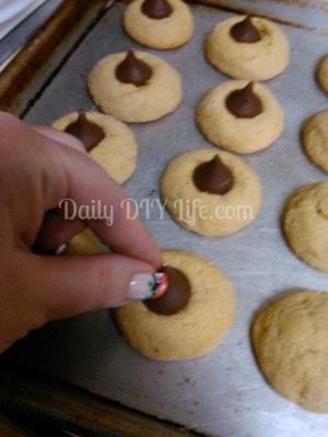 Christmas Cookies: Peanut Butter Blossoms - Daily DIY Life.com