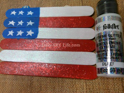 86fc69a3a86f American Flag Kids Craft! An Easy Afternoon Project!