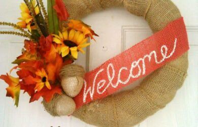 Burlap Acorns - Fall Decor on a Budget | DailyDIYLife.com