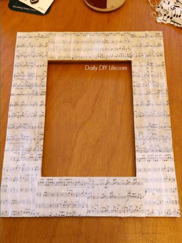 Sheet Music DIY Photo Frame #ShareMemories