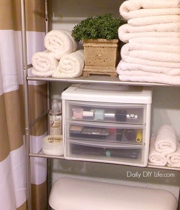 Having a tiny bathroom can be a challenge at times. Knowing these 5 Ways to Eliminate Clutter in a Tiny Bathroom certainly helps! With a little help from Quilted Northern Ultra Soft & Strong® Mega Rolls and @Target we stay organized! #Ad #DesignedMega #CollectiveBias