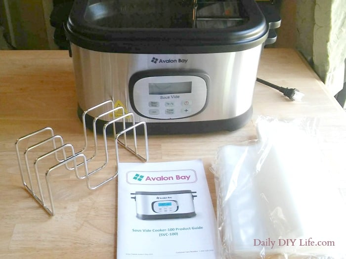 I never knew just how easy Sous-Vide cooking could be. You can cook like a pro with the Avalon Bay Sous-Vide Water Oven! #ad #avalonbay #sousvide