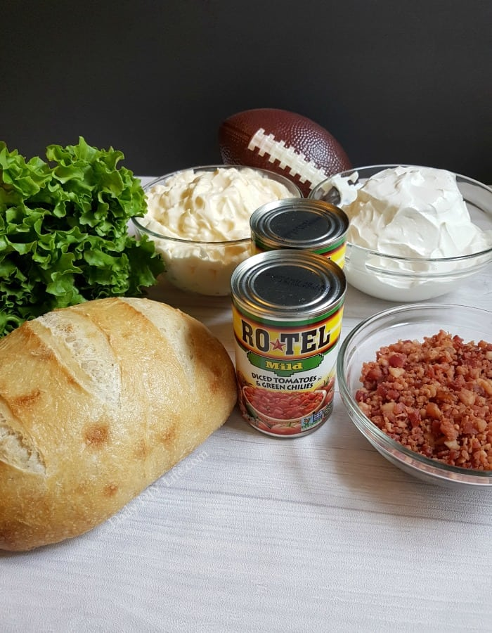 If you are looking for the perfect Game Day Recipe to wow your guests, you have come to the right place! Our 4 ingredient Kickin' BLT Dip will wow them all! #AD #DipForTheWin