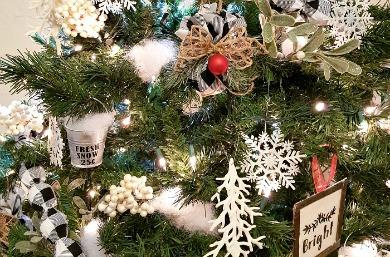 Simple Elegant Farmhouse Style Christmas Tree Daily Diy Life